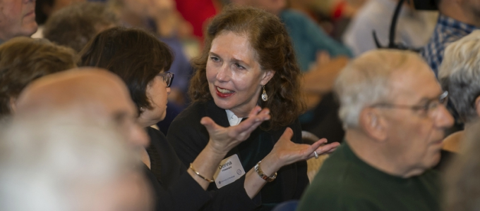 audience with focus on women who are talking